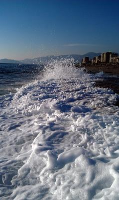 Click image for larger version  Name:Sea in Turkey.jpg Views:197 Size:98.5 KB ID:476