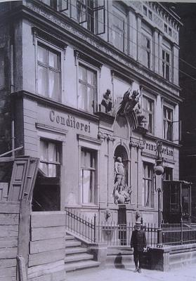 Click image for larger version  Name:1906 - Post Office on Altshdatskom market.jpg Views:68 Size:94.1 KB ID:495